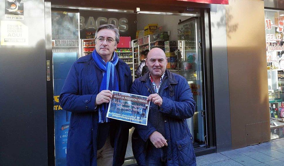 El portavoz del PP, Pablo González y Gregorio Ibañez Calzada Asredcomercial